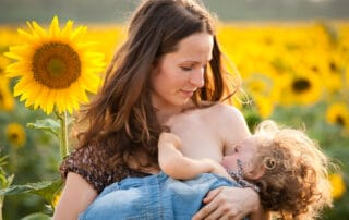 How Breastfeeding Moms Can Reduce Neck and Back Pain